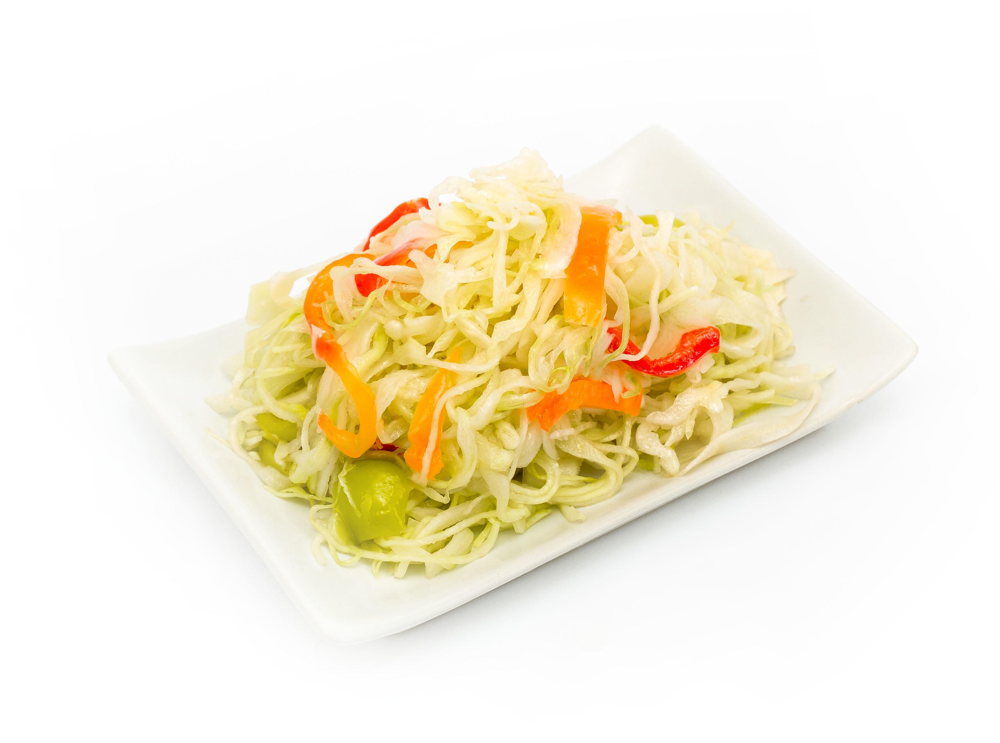 Салат из пекинской капусты моркови и перца